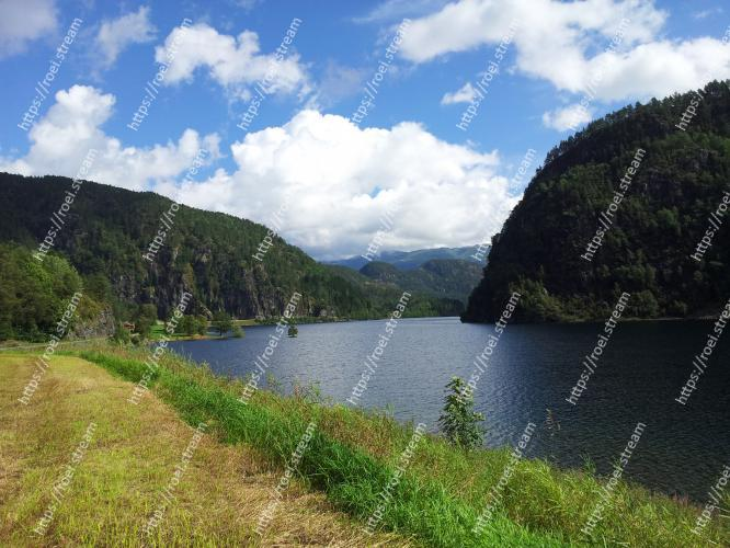 Image of Body of water, Highland, Natural landscape, Water resources, Nature, Lake, Reservoir, Tarn, Wilderness, Mountain