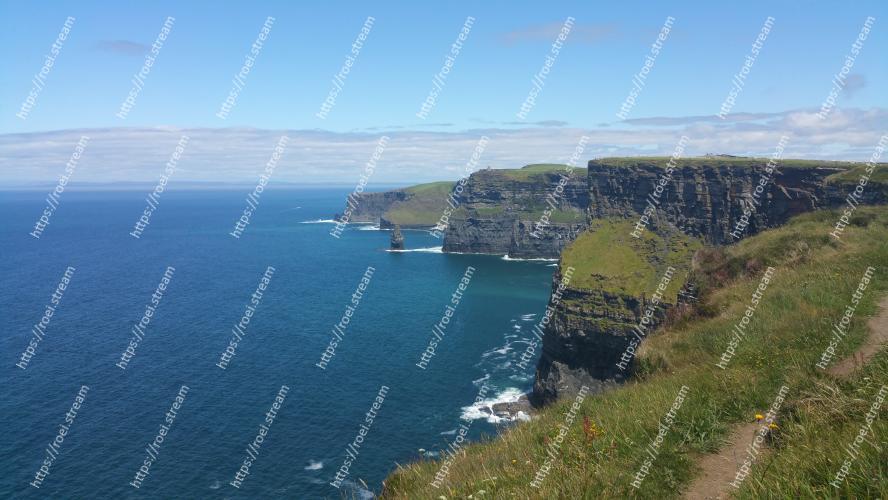 Image of Body of water, Coast, Headland, Cliff, Sea, Coastal and oceanic landforms, Promontory, Klippe, Cape, Sky