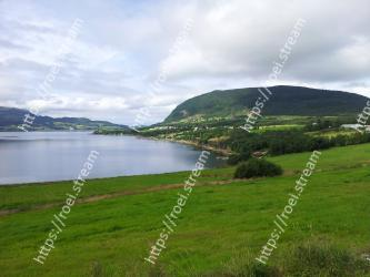 Highland, Body of water, Nature, Lake, Green, Natural landscape, Loch, Sky, Reservoir, Hill