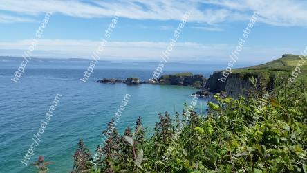 Body of water,Coast,Coastal and oceanic landforms,Headland,Sea,Promontory,Sky,Bay,Ocean,Cliff