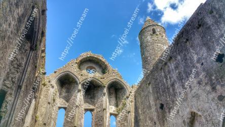 Ruins,Architecture,Ancient history,Historic site,Landmark,Archaeological site,Building,Medieval architecture,Arch,History Rock of Cashel
