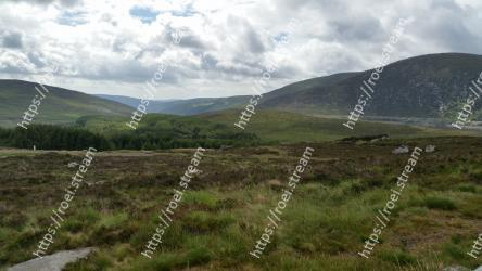 Highland,Mountainous landforms,Grassland,Hill,Mountain,Fell,Natural environment,Wilderness,Natural landscape,Tundra