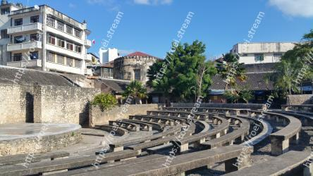Amphitheatre, Building, Human settlement, Architecture, City, Urban design, Ancient history, Historic site, Town square, Plaza