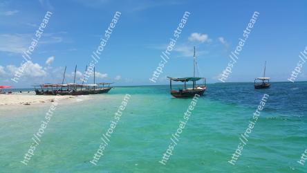Water transportation, Sea, Sky, Boat, Water, Vehicle, Ocean, Vacation, Caribbean, Waterway