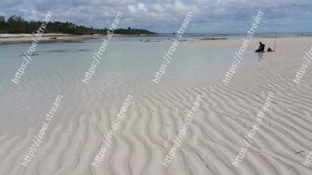 Sand, Beach, Sea, Sky, Natural environment, Coast, Ocean, Shore, Water, Vacation
