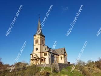 Sky, Landmark, Church, Steeple, Spire, Architecture, Place of worship, Building, Chapel, Medieval architecture