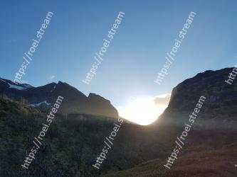 Mountainous landforms, Highland, Mountain, Sky, Mountain range, Light, Hill, Fell, Ridge, Morning