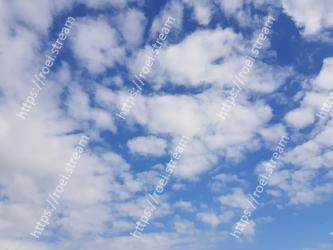 Sky, Cloud, Blue, Daytime, Cumulus, Atmosphere, Meteorological phenomenon, Azure, Calm, Electric blue