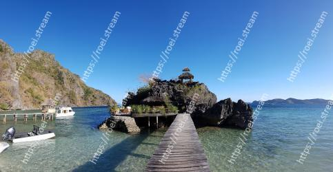 Body of water,Sea,Water,Rock,Natural landscape,Promontory,Coast,Sky,Coastal and oceanic landforms,Tourism