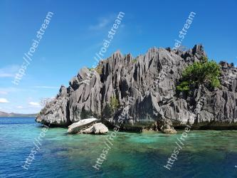 Body of water, Sea, Coast, Coastal and oceanic landforms, Natural landscape, Rock, Promontory, Cliff, Ocean, Sky