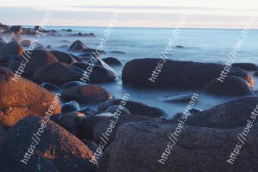 Body of water, Sea, Sky, Water, Coast, Shore, Rock, Ocean, Blue, Wave