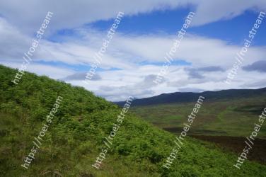 Highland, Mountainous landforms, Grassland, Hill, Green, Sky, Nature, Vegetation, Natural landscape, Mountain