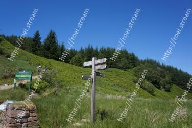 Grassland, Natural landscape, Mountainous landforms, Mountain, Meadow, Grass, Mountain range, Nature reserve, Pasture, Land lot