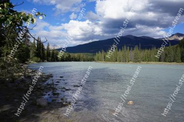Body of water, Nature, Wilderness, Sky, Lake, Highland, Mountain, Water resources, River, Natural environment