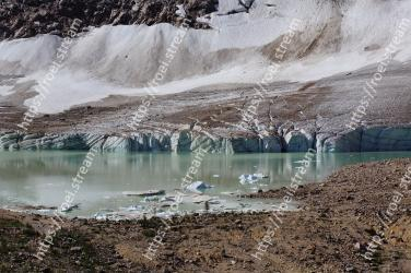 Glacial lake, Mountainous landforms, Water, Mountain, Lake, Water resources, Natural landscape, Wilderness, Tarn, Glacial landform