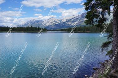 Body of water, Lake, Nature, Natural landscape, Water resources, Wilderness, Mountain, Tarn, Reservoir, Water