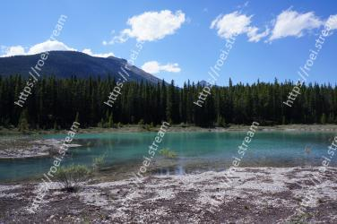 Body of water, Wilderness, Nature, Natural landscape, Mountain, Mountainous landforms, Lake, Natural environment, Water resources, Sky