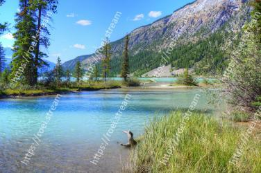 Body of water, Natural landscape, Nature, Wilderness, Water, Water resources, River, Lake, Natural environment, Mountain