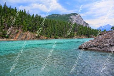 Body of water, Natural landscape, Nature, Water, Water resources, Coast, Wilderness, Sea, Coastal and oceanic landforms, Bay