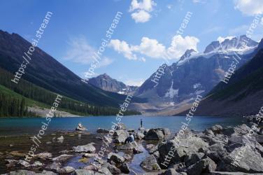 Mountainous landforms, Mountain, Body of water, Natural landscape, Mountain range, Nature, Glacial lake, Tarn, Wilderness, Lake