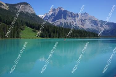 Body of water, Mountain, Mountainous landforms, Nature, Lake, Natural landscape, Glacial lake, Tarn, Reflection, Mountain range Emerald Lake