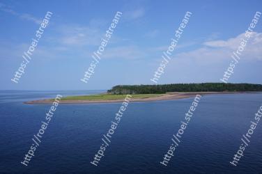 Body of water,Sea,Water resources,Water,Blue,Sky,Coastal and oceanic landforms,Ocean,Coast,Horizon