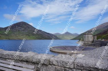 Mountain, Highland, Nature, Mountainous landforms, Water resources, Lake, Reservoir, Natural landscape, Sky, Tarn