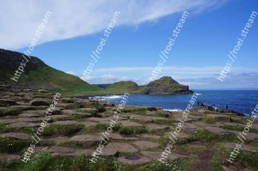 Body of water, Coast, Sea, Highland, Sky, Headland, Promontory, Ocean, Coastal and oceanic landforms, Shore