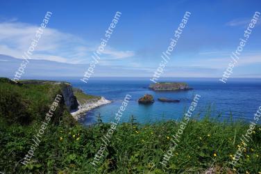 Body of water, Sea, Coast, Sky, Blue, Water, Headland, Natural landscape, Coastal and oceanic landforms, Ocean