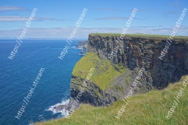Cliff, Klippe, Headland, Coast, Promontory, Coastal and oceanic landforms, Escarpment, Sea, Terrain, Cape