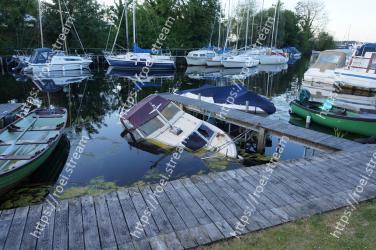 Water transportation, Boat, Vehicle, Marina, Dock, Waterway, Water, Harbor, Boating, Watercraft