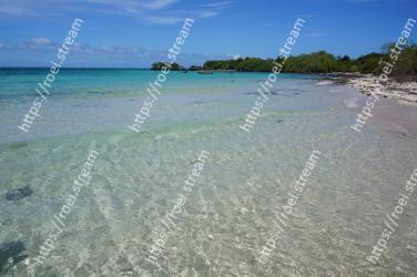 Body of water, Sea, Beach, Shore, Ocean, Tropics, Coast, Water, Coastal and oceanic landforms, Caribbean