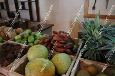 Natural foods, Local food, Fruit, Plant, Food, Whole food, Vegetable, Vegetarian food, Produce, Vegan nutrition