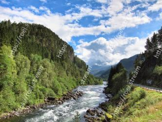 Natural landscape, Mountainous landforms, Nature, Body of water, Water resources, River, Mountain, Water, Wilderness, Watercourse