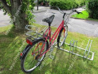Bicycle, Bicycle wheel, Vehicle, Bicycle part, Bicycle accessory, Bicycle handlebar, Bicycle frame, Bicycle saddle, Bicycle fork, Bicycle tire