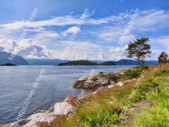 Body of water, Coast, Sky, Nature, Natural landscape, Shore, Sea, Coastal and oceanic landforms, Highland, Ocean