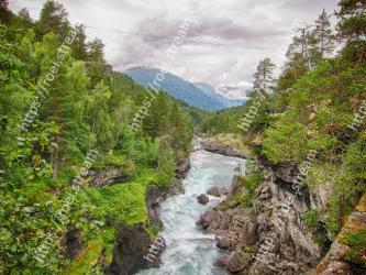 Body of water, Nature, Water, Water resources, River, Mountainous landforms, Watercourse, Wilderness, Natural landscape, Mountain river
