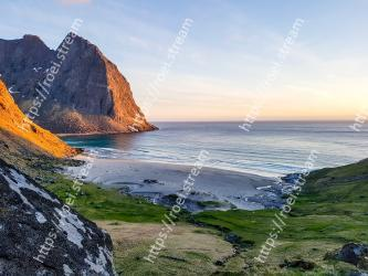 Body of water, Coast, Headland, Sky, Nature, Sea, Natural landscape, Cliff, Coastal and oceanic landforms, Shore